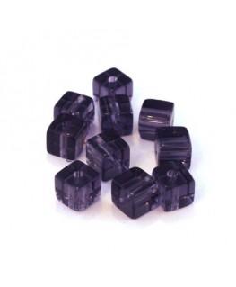 Perles cubes en verre violet 6mm