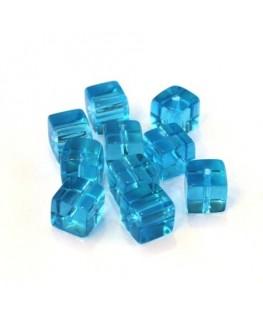 Perles cubes en verre bleu turquoise 6mm
