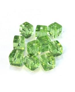 Perles cubes en verre vert clair 6mm