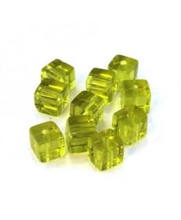 Perles cubes en verre vert olive 6mm