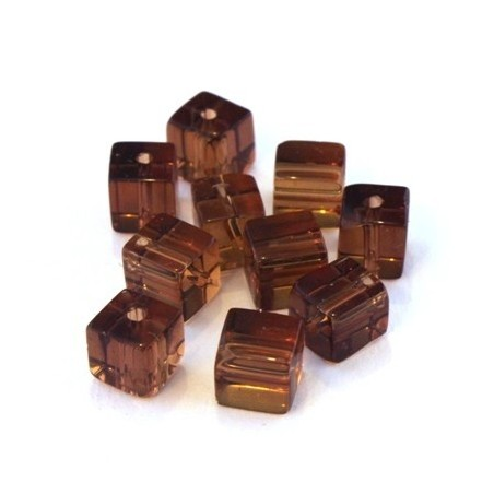 Perles cubes en verre marron 6mm