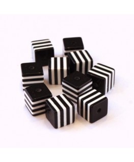 Perle cube rayée 8mm noir x10