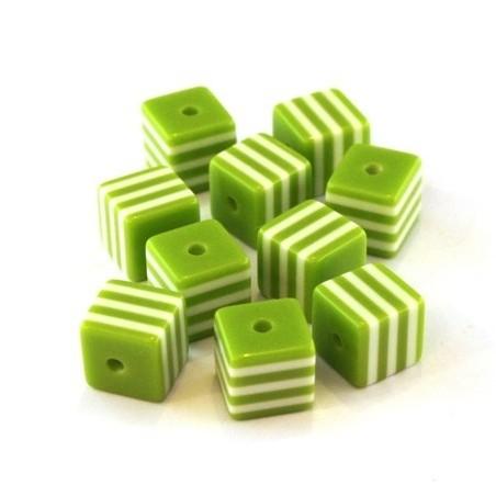 Perle cube rayée 8mm vert pomme x10