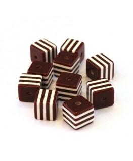 Perle cube rayée 8mm marron x10