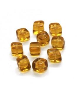 Perles cubes en verre ambre x10