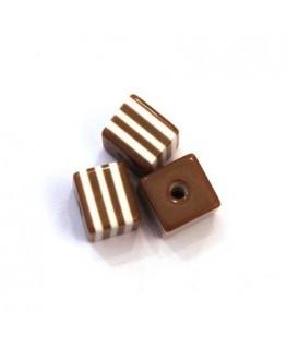 Perles rayées cubes acrylique 7mm marron